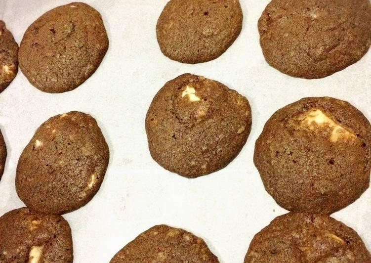 Choco Cookies Dgn Lelehan Coklat putih