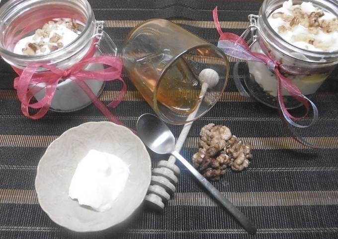 Yogurt, Honey & Walnut dessert