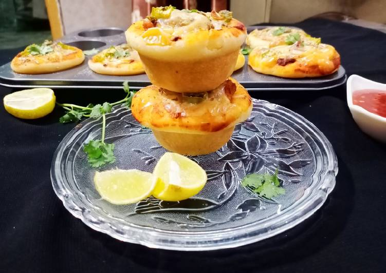 Chicken bbq pizza muffins/pizza cups And bbq pizza