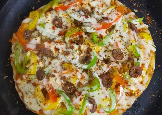 Simple Way to Make Favorite Paneer Tikka Pizza