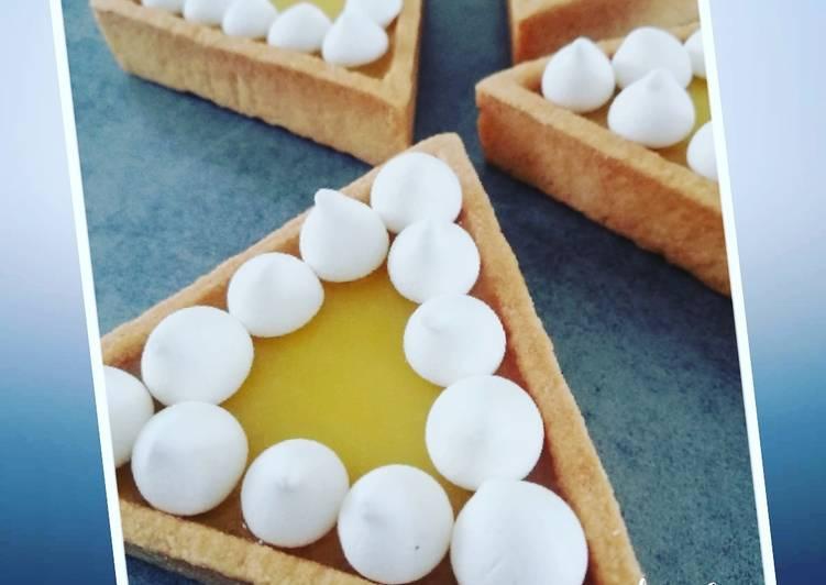 Tartelettes à la crème de citron et perles de meringue