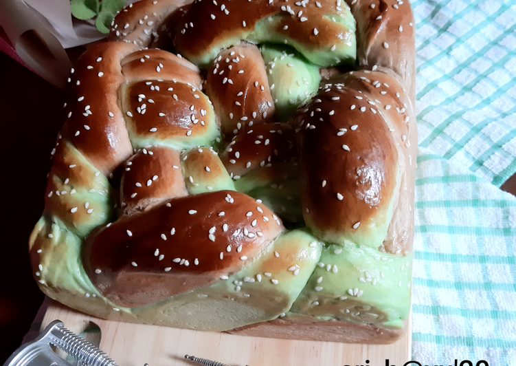 Challah Bread Pandan Coklat