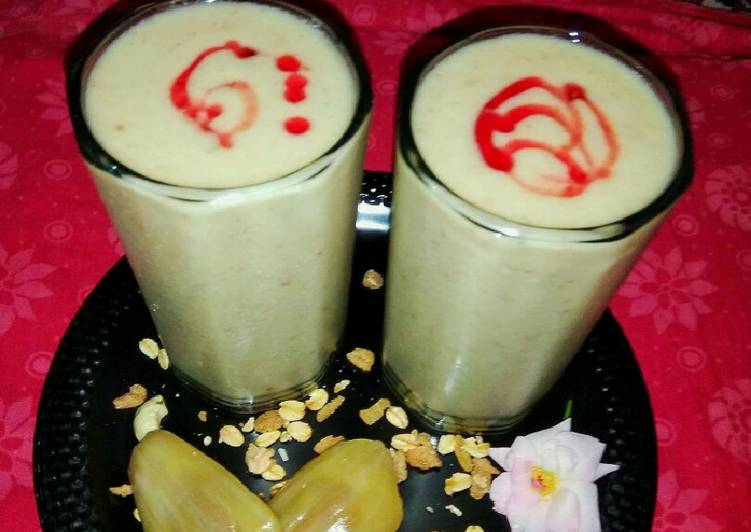 Oat,almond,jack-fruit smoothie