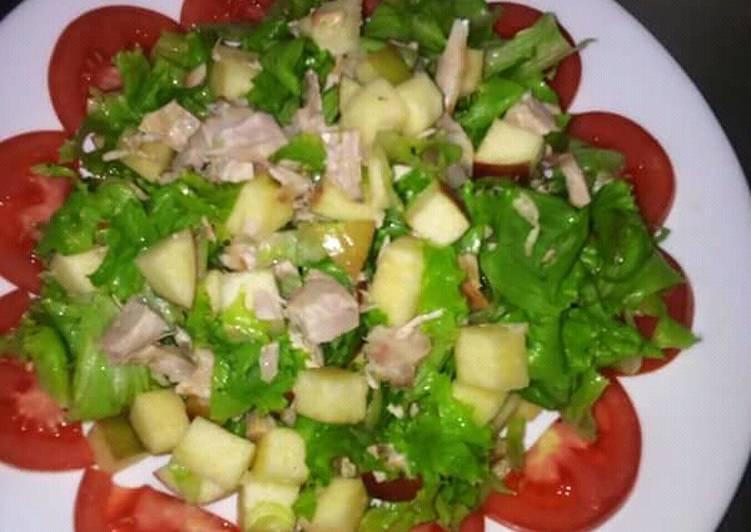 Chunky chicken-apple salad