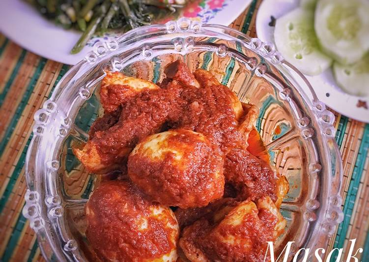 Ayam Telur Masak Habang Khas Banjar