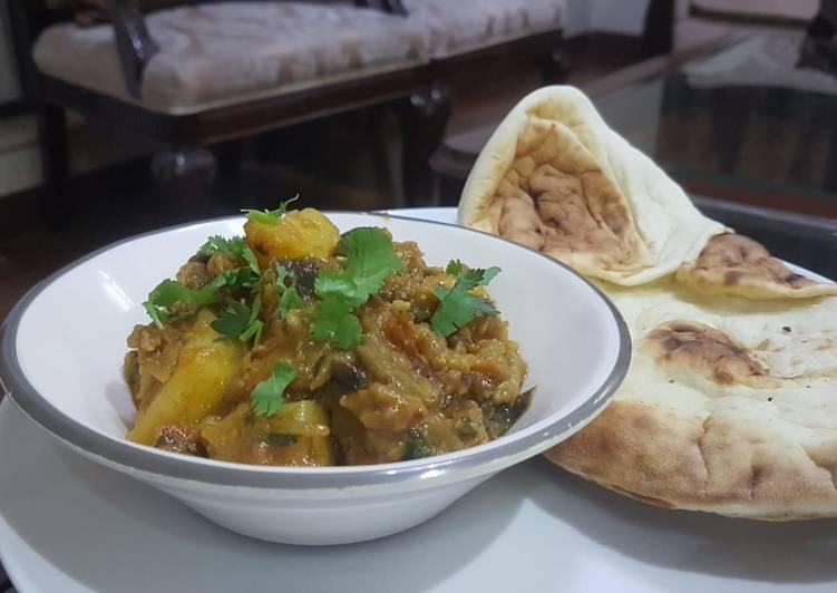 Aaloo Bangan ki Sabzi with tandoori roti