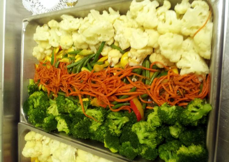Recipe: Yummy Vegetable Medley w/ broc. and coliflower and sweet honey julliened carrots