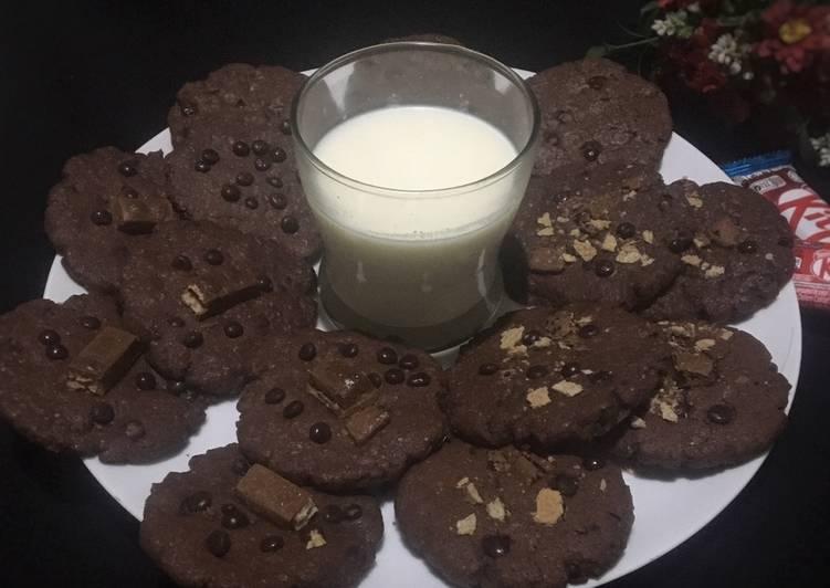 Big Chocolate Chip Cookies