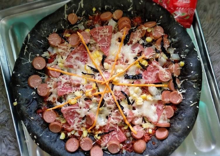Resep Black Pizza yang Bisa Manjain Lidah