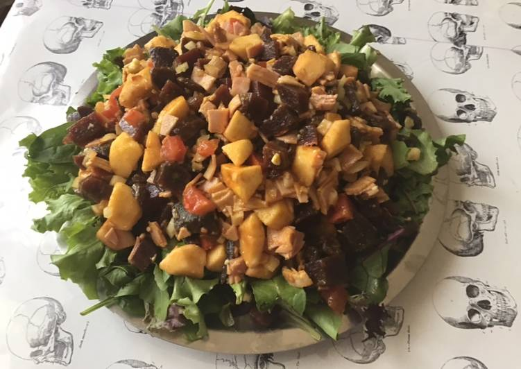 La Meilleur Recette De Salade composée betteraves jambon blanc pommes roquette tomates raisins roquefort curry et miel