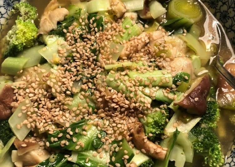 Broccoli, shiitake and ginger broth - vegan