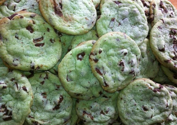 Vickys St Patricks Day Minty Green Cookies GF DF EF SF NF