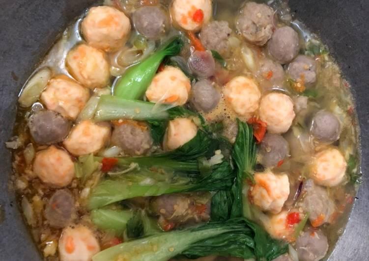 Bakso pedas kuah thaichan