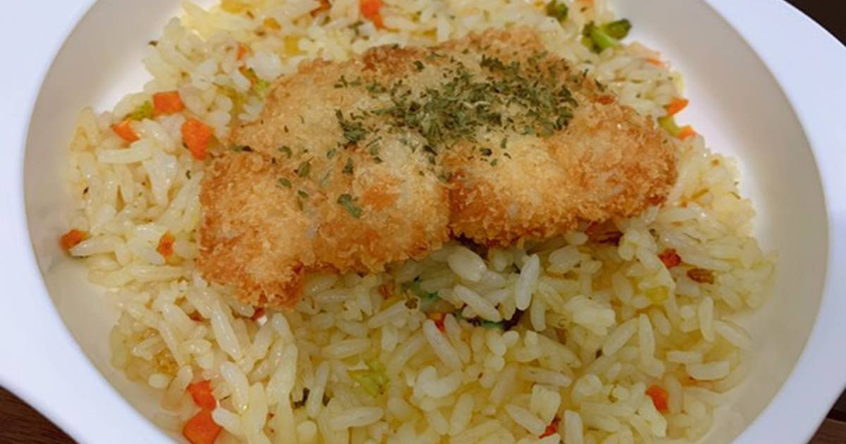 Resep Butter Rice Simple & Ikan Dori Goreng Anak 1 Tahun+ oleh Vie - Cookpad