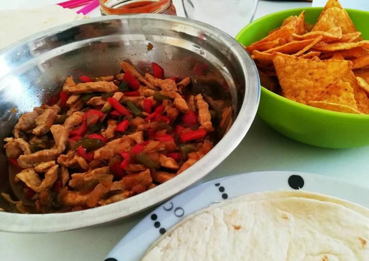 Easiest Way to Prepare Yummy Burritos y nachos🔥
