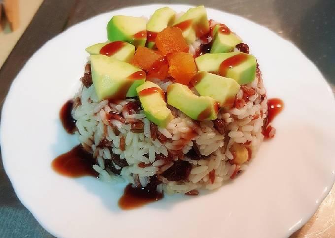 Ensalada De Arroz Integral Con Aguacate Y Frutos Secos Receta De Sarandonga Cookpad