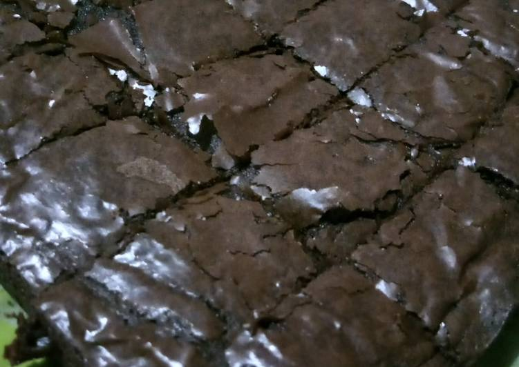 Cara menyajikan Brownies shiny crust , Sempurna