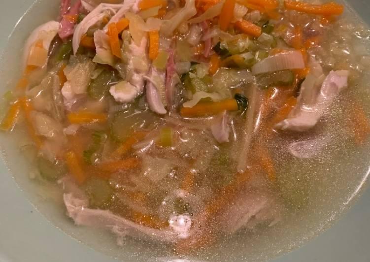 Sopa juliana con pollo