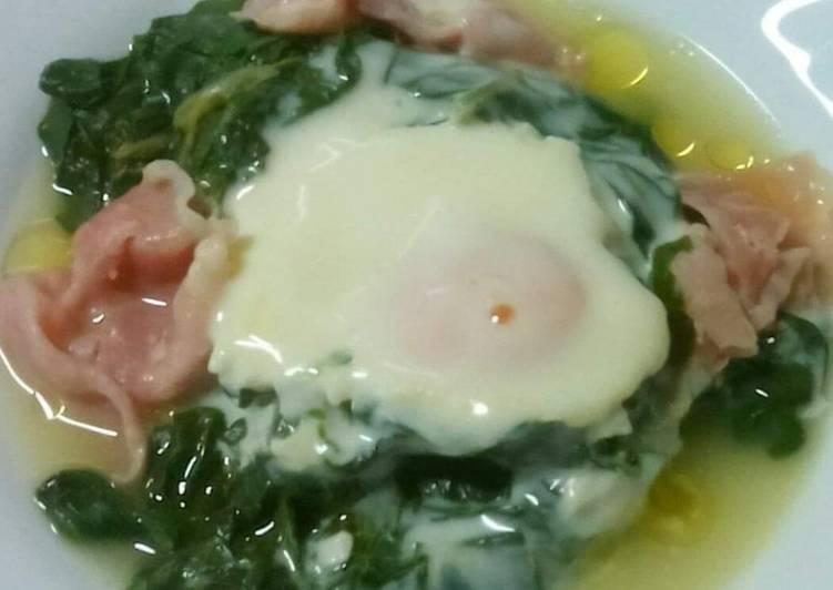 Bietole con prosciutto cotto, uova e sottiletta