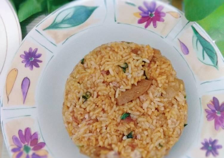 Nasi goreng pokchoy baso (nasi merah sisa)