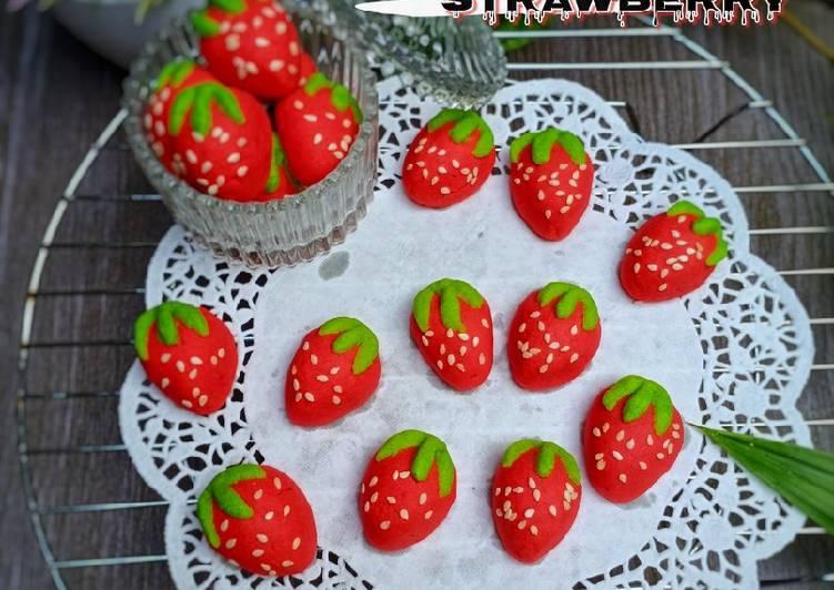 Nastar Strawberry Isi Keju