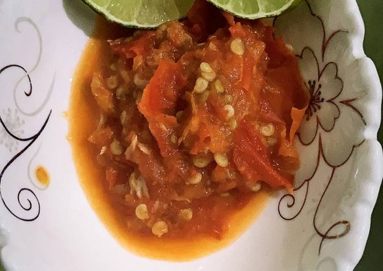 Sambal bawang putih pendamping sop