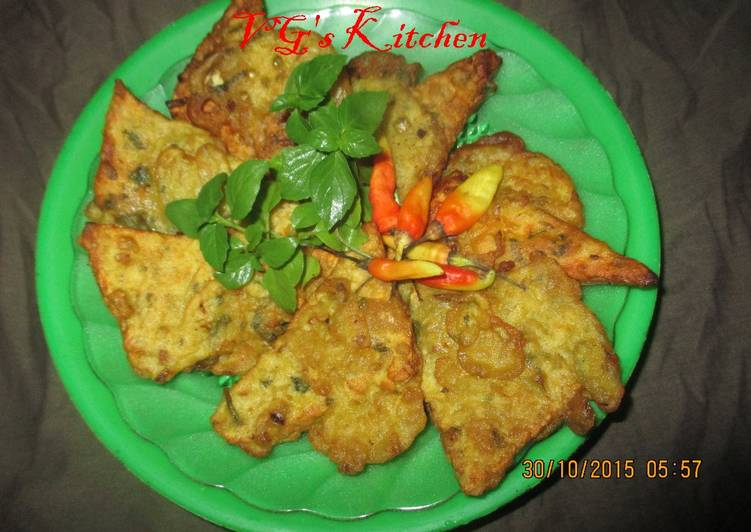 Tempeh with flour batter (TEMPE KEMUL)