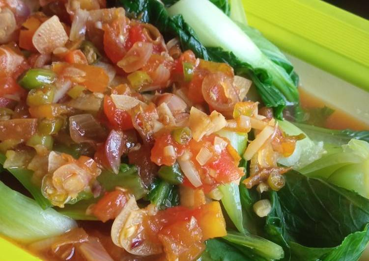 Pokcoy siram sambal tomat