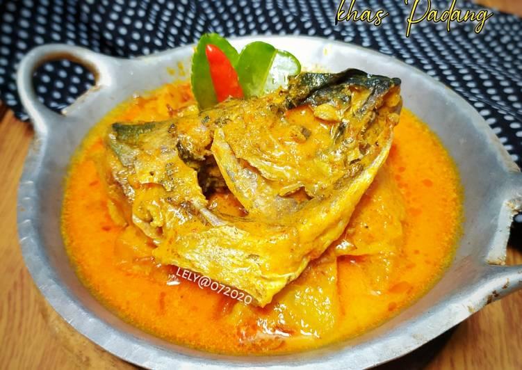Kalio Ikan dan Kentang khas Padang