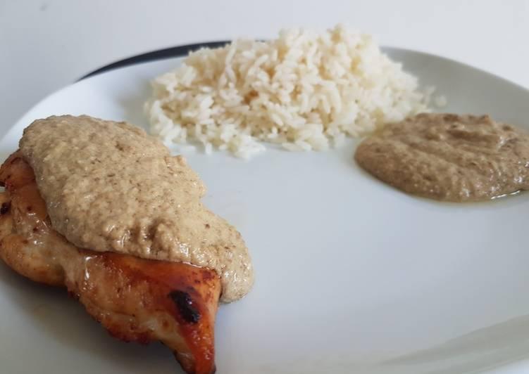 Recettes Sauce aux noix accompagnée de son poulet rôti !