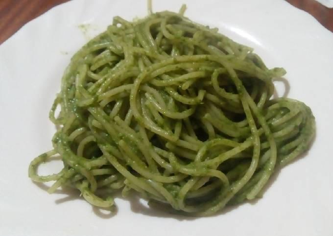 Spaghetti with Kenyan Pesto