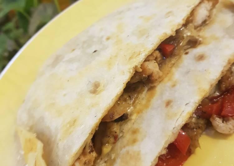 Chicken cheese and pepper tortillas