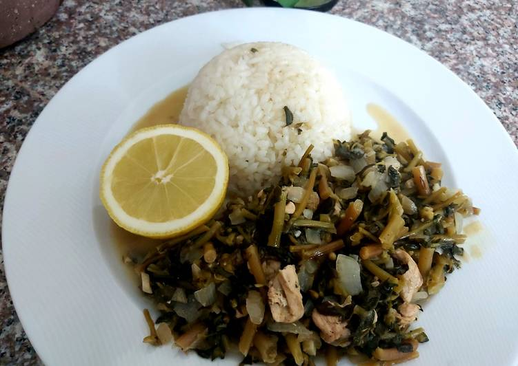 Common purslane with chicken and rice