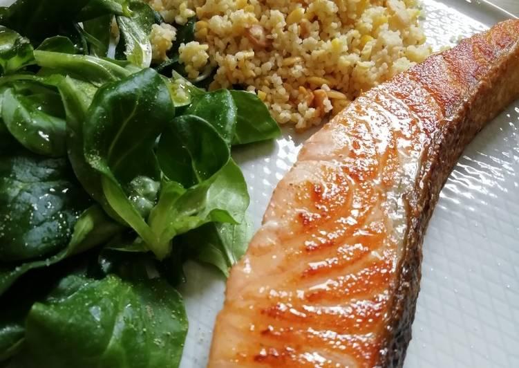 Pavé de saumon, mâche et mélange 4 céréales