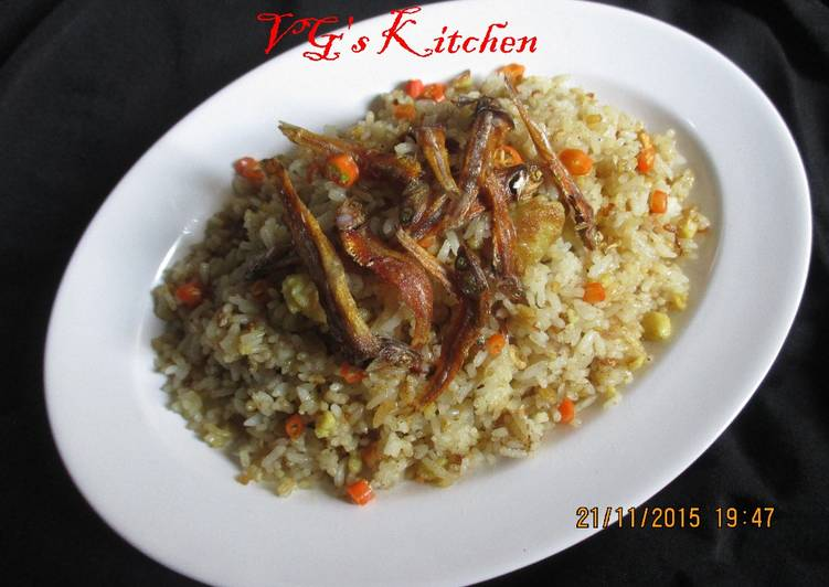 Étapes pour Préparer Super rapide Fait maison Bourgade De riz frit