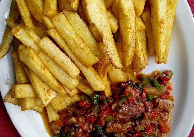 Spicy fried yam With sardine sauce Recipe by Ifi Fenkus Kitchen - Cookpad