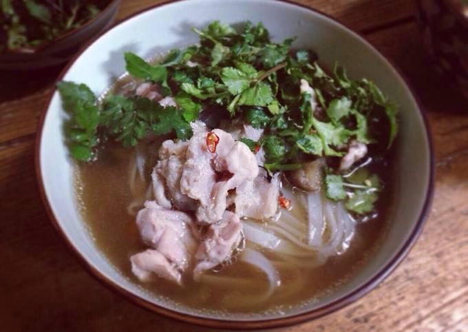 Vietnamese-style Pho Noodle Soup