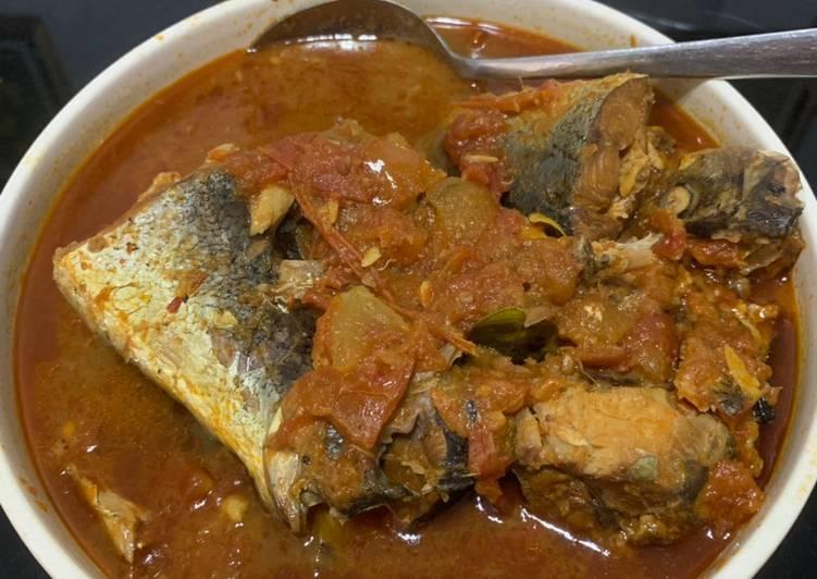 Ikan sarden segar presto masak saos tomat (mirip sarden kaleng)