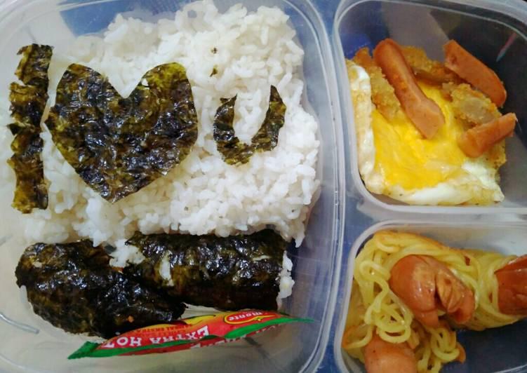 Resep Bekal suami ala-ala nasi Nori with sosis mie gulung Terbaik