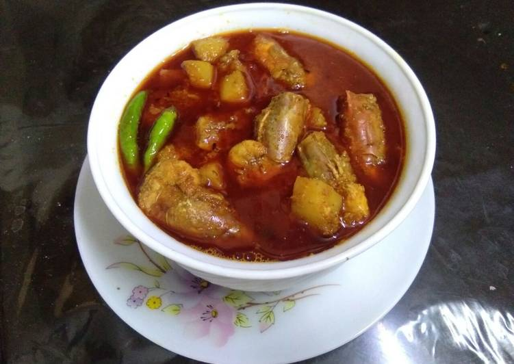 Delicious Chingri maacher malai curry (prawn malai curry)