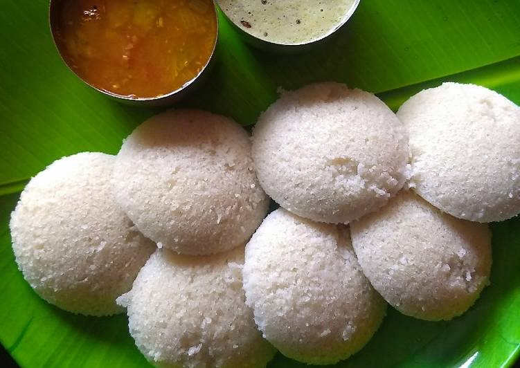 Simple Way to Prepare Homemade Idli sambar and coconut chutney
