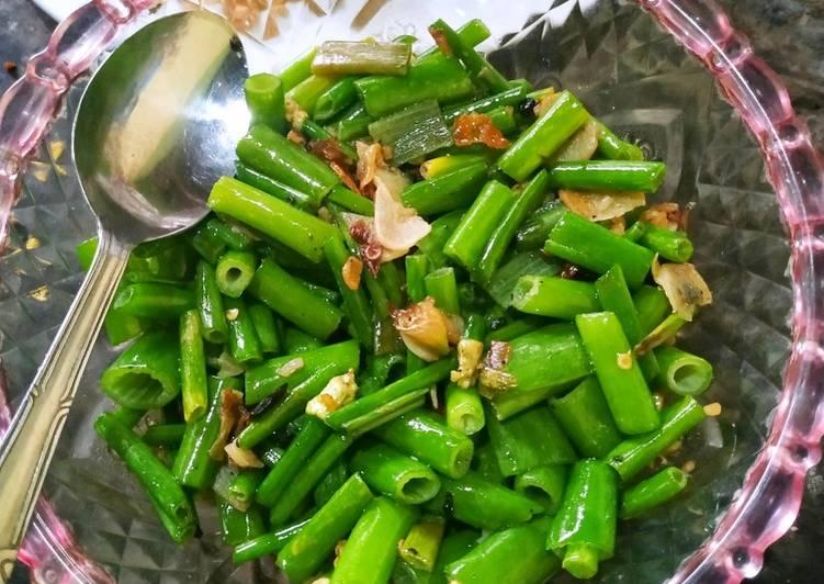 Tumis sayur daun bawang