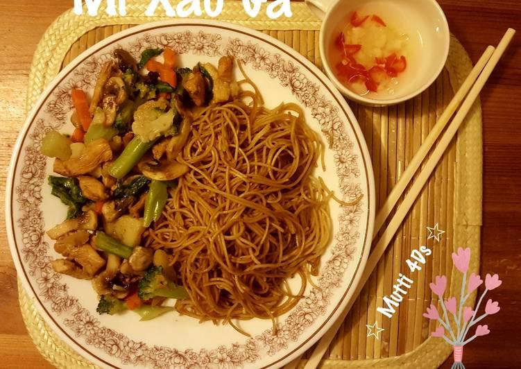Mi Xao Ga - Mie Goreng Ayam Khas Vietnam