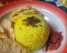 Nasi Kuning/Nasi Uduk Ricecooker + Sambel