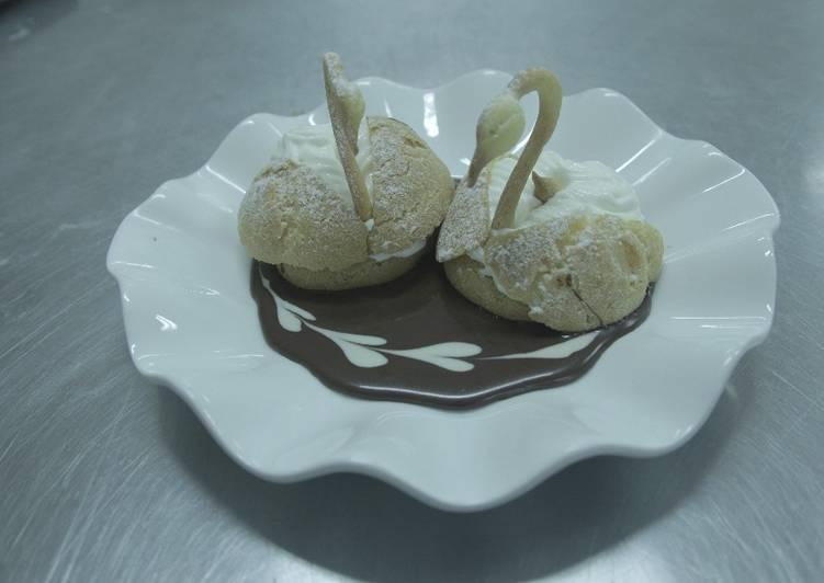 Resep Swan Choux Paste W Diplomat Cream Oleh Yolands Cookpad