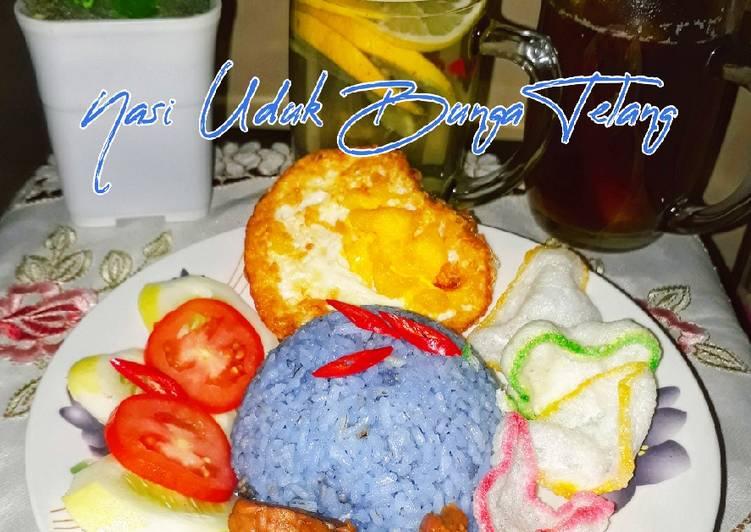 Nasi Uduk Bunga Telang / Rice Blue Pea
