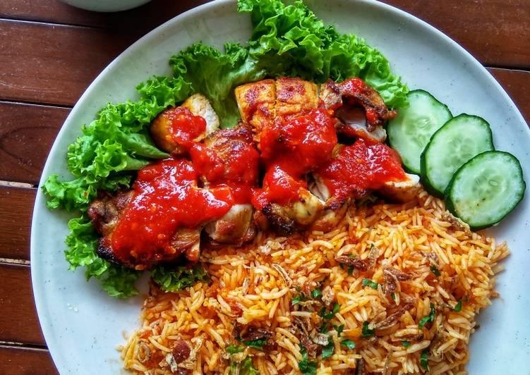 Nasi Ayam Goreng - velavinkabakery.com