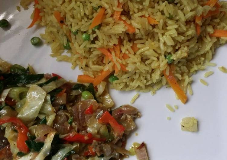 Fried rice with mackerel vegetable sauce