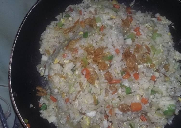 Nasi goreng hongkong seadanya