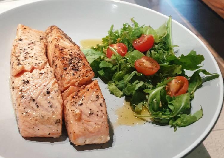 Pan-fried Salmon sederhana, cepat, dan praktis